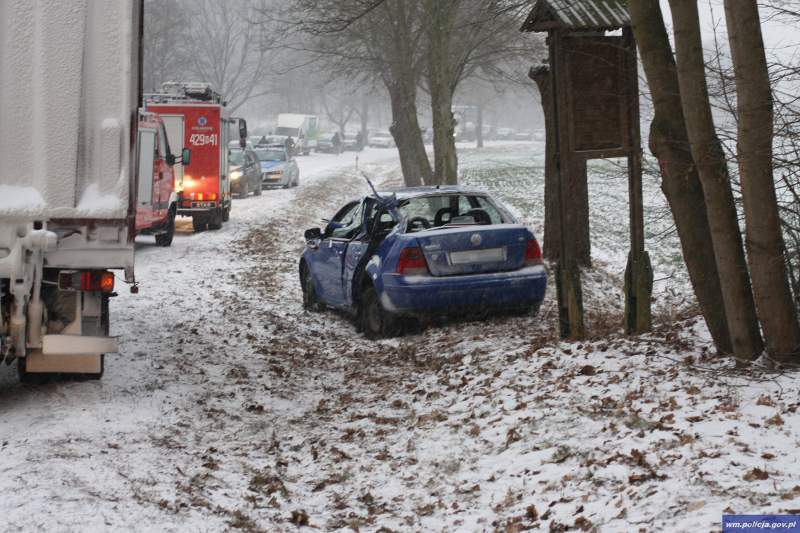 policja wypadek zima 2