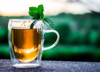 Biała herbata – dlaczego warto ją pić?