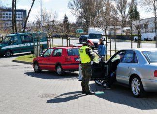 Mandat za mycie auta. Żandarmeria zatrzymała kierowców. Myjnia w Olsztynie była bezdotykowa