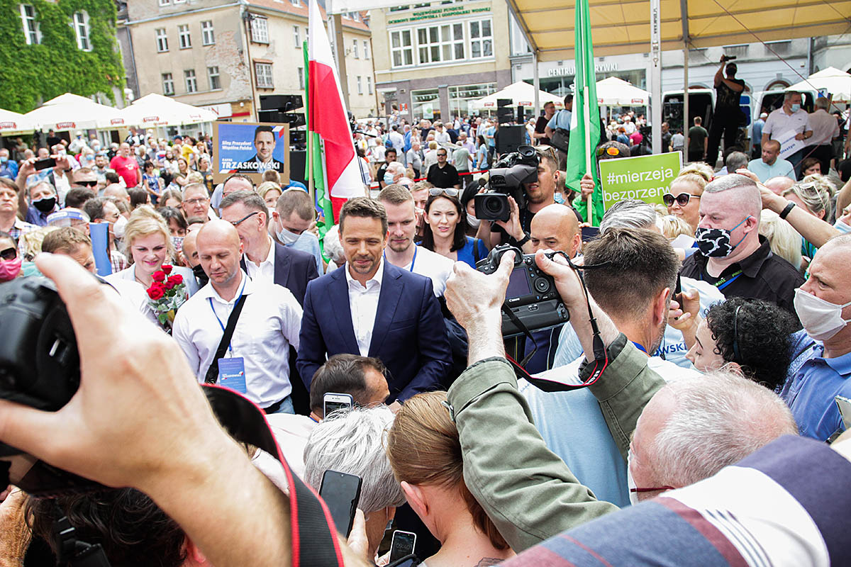 Rafał Trzaskowski w Olsztynie. Na wiec przyszły tłumy mieszkańców